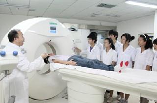 四川省成都卫生学校2020年春季招生计划和收费标准是怎样的