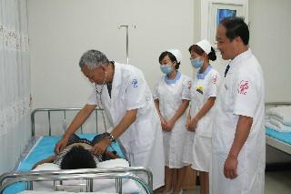 成都针灸卫校口腔医学技术专业读几年