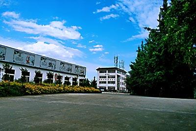 四川育英医科技校校园环境