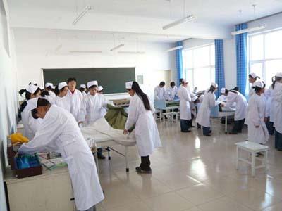 护理学生练习